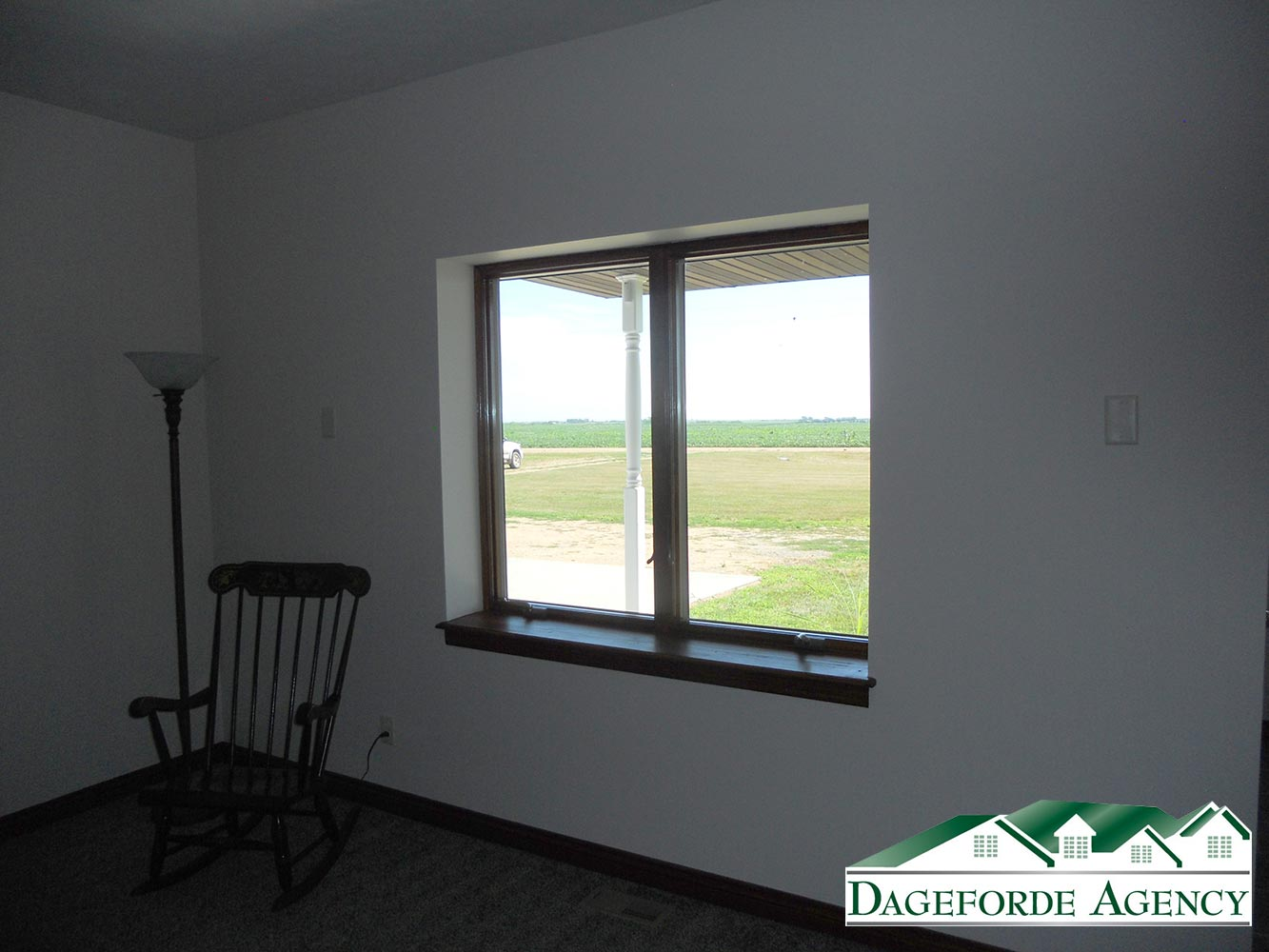 Roker---Living-Room---Anderson-Windows